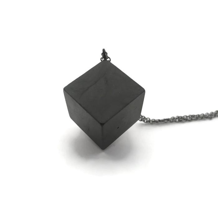 plain black cube